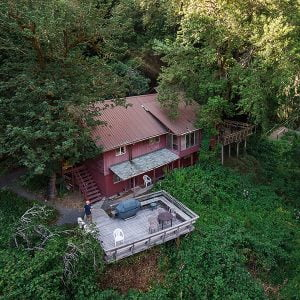 Areal view of Marial Lodge on the Wild & Scenic Rogue River